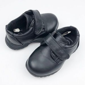 Cat & Jack Boys Black Dress Shoes Size 5